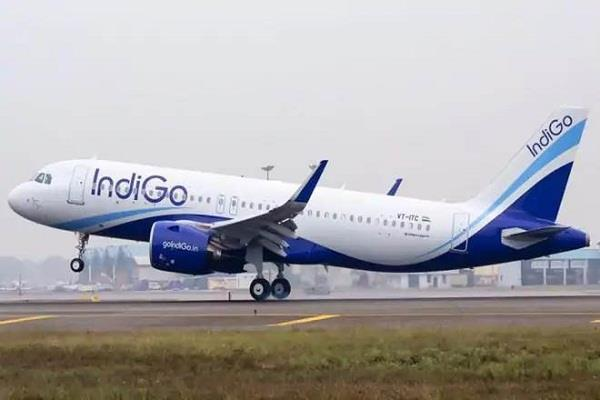 indigo pilot asks airline why kunal kamra is banned without consulting me