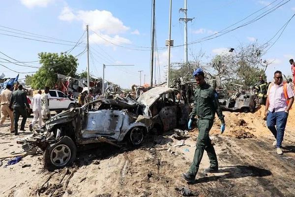 car explosion near somalia s capital 4 people dead
