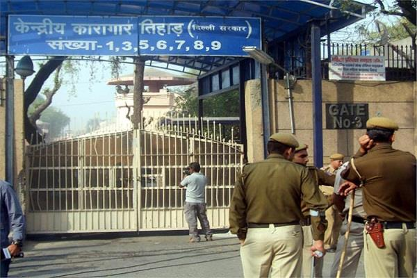 nirbhaya convicts shifted to jail number 3 in tihar here is the hanging cell