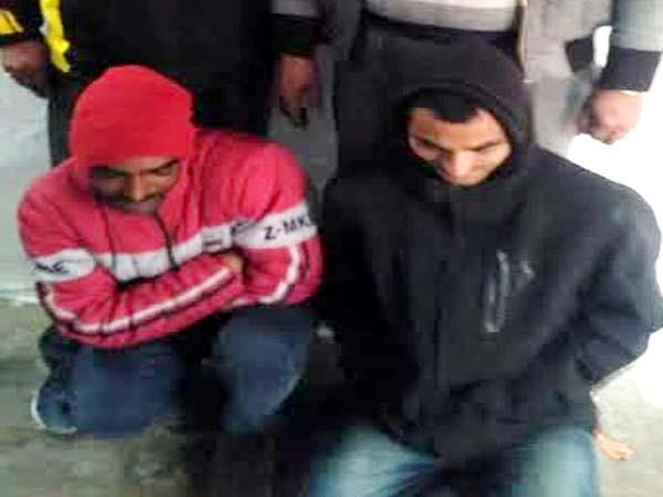 2 youth and woman arrested with 874 gram hashish