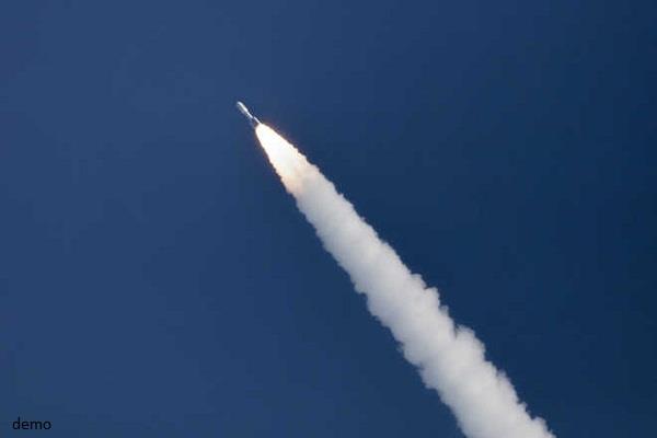 iraq attack near us embassy five rockets fell