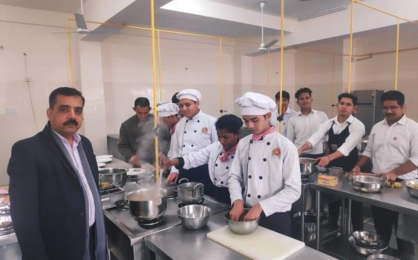 method of making continental food taught to students