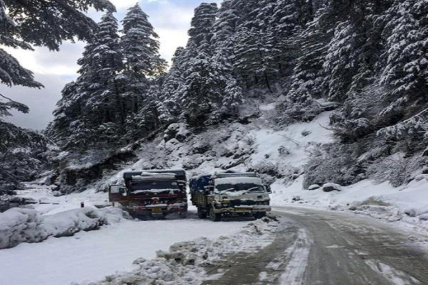 snowfall in the mountains increase in temperature due to rain in the plains