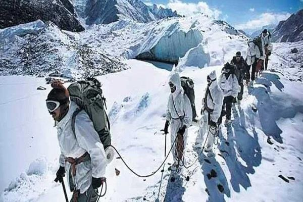 soldiers stationed in siachen need cali no clothes