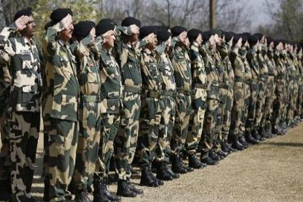 do not allow capf personnel to wear military uniform