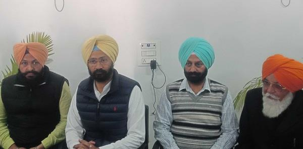 badal was also separated from barnala family parmindra dhindsa