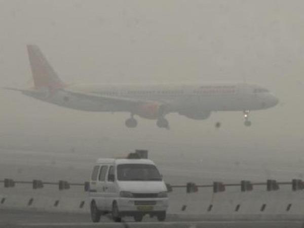 dubai and mumbai planes not landing due to haze sent to delhi