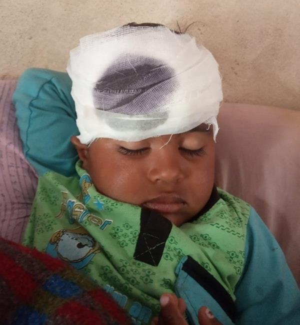 5 year old innocent suffering for treatment in hospital s emergency