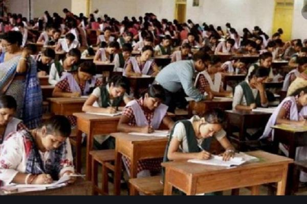 up board exam starts 2 39 lakh students left exam on first day