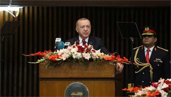 erdogan raises kashmir in pakistan parliament