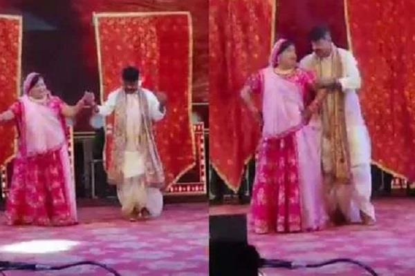 kailash vijayvargiya dances with wife at son s music festival