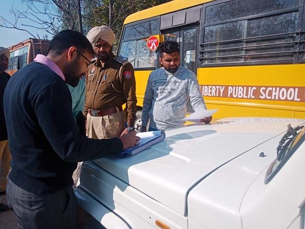 sdms rto investigated 133 buses invoiced 37 buses seized 4