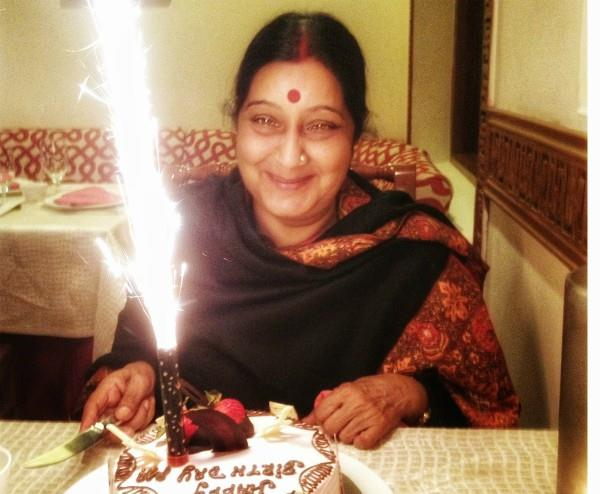 husband swaraj kaushal share a beautiful pic on sushma swaraj birthday