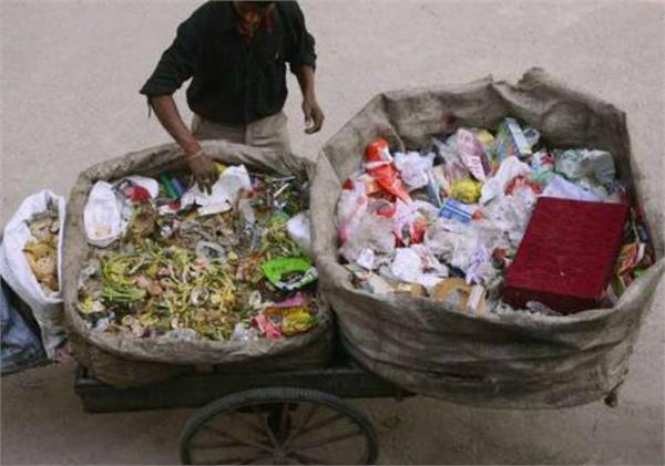 delhi garbage collectors will now charge 200 rupees user charge