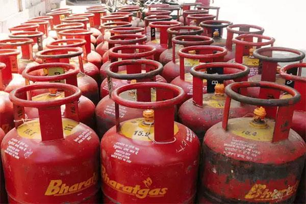 lpg will be cheaper from next month petroleum minister gave indications