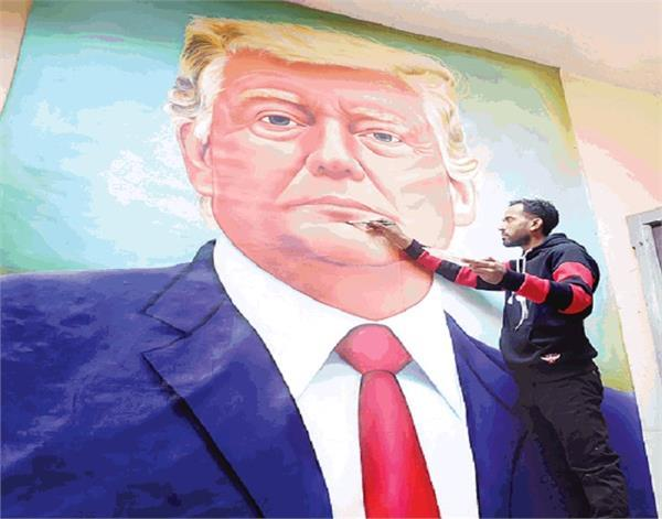 painter made 10 foot high painting of trump