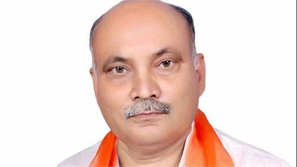 badmash threatens bjp mla s residence in kushinagar attempts to break door