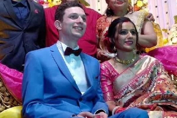 unique wedding french bride arrived in rae bareli with wedding peoples