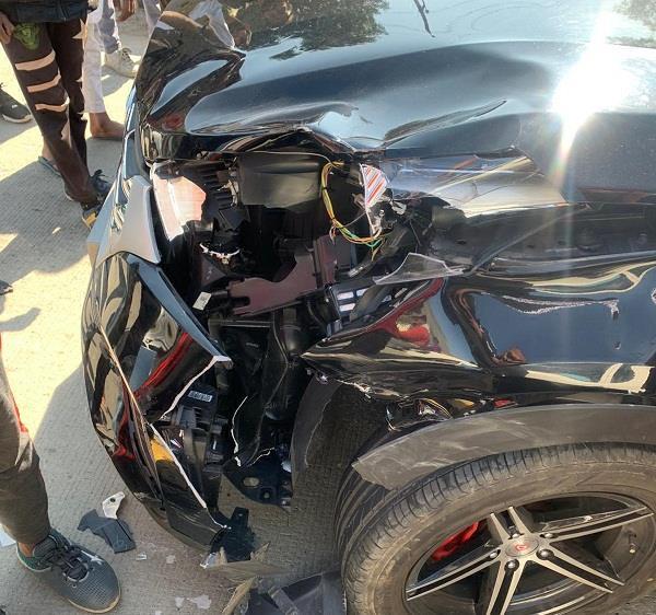 car bike road accident wife death