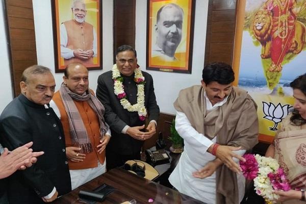 bjp made ramvir singh bidhuri the leader of opposition