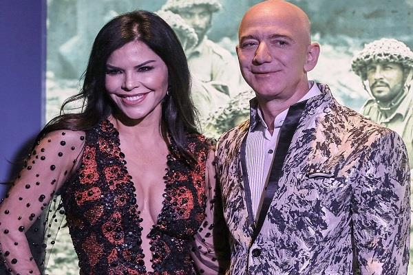 jeff bezos is sued by his girlfriend s brother