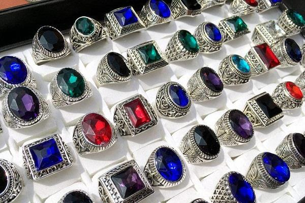 if you also have a passion for buying gemstone jewelry then read this news