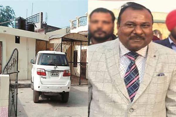 police raid in kothi of anwar masih