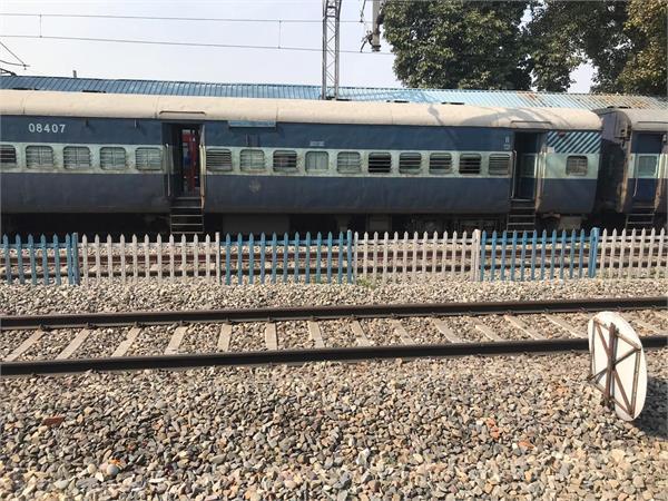 phagwara broken high voltage wires on crossing lines rail traffic affected