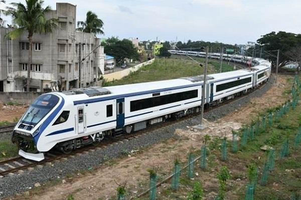 vande bharat express completes one year