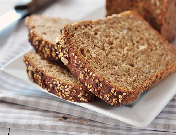 होल व्हीट या फिर मल्टी ग्रेन? कौन सी ब्रेड आपको रखेगी फिट?