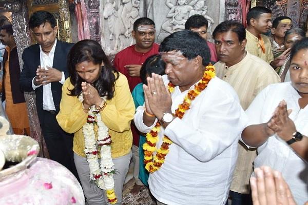 the president of mauritius saw the family kashi vishwanath said  i am blessed
