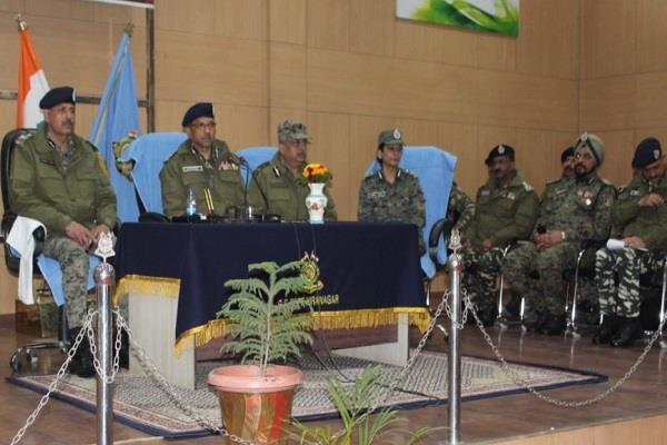 49 crpf jawans honored crpf awarded adventure during encounter