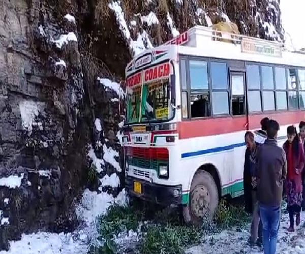 big accident averted in nahan