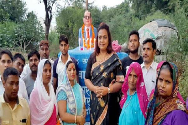 parties leave dalits as vote bank preeta green