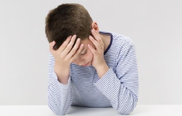 बच्चों में बढ़ रही माइग्रेन की समस्या, ऐसे पहचानें इसके लक्षण