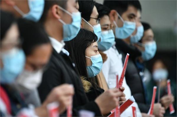 hong kong medical workers strike to urge closure of china border
