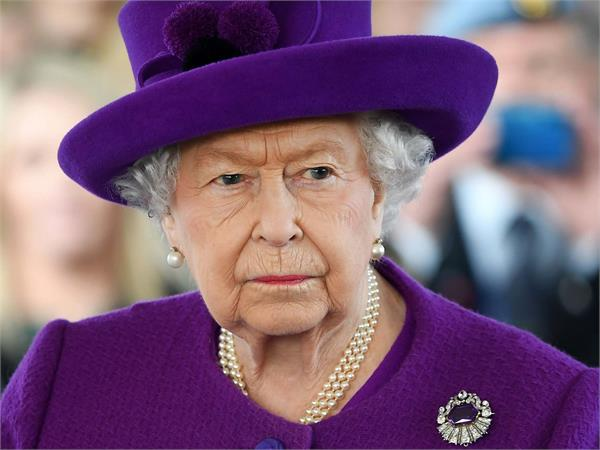 british queen upset as grandson peter separates from wife