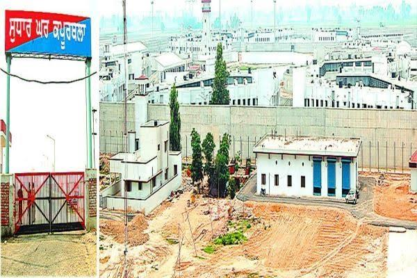 crpf in central jail increase in mobile recovery after deployment