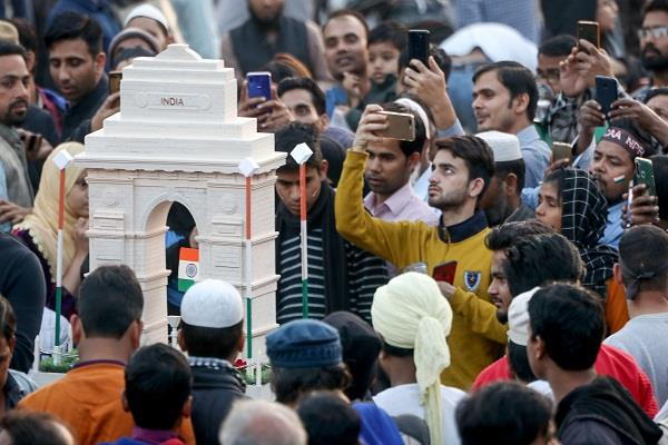 sc said on shaheen bagh demonstration how will everyone stop the road