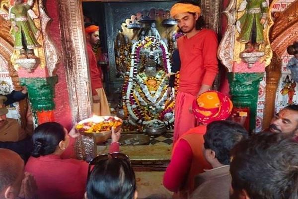 anandiben visited ramlala in ayodhya prayed in hanumangarhi and kanak bhavan