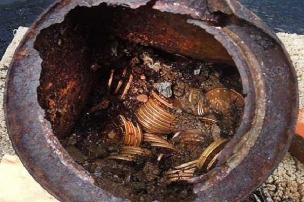 sitapur gold pot filled with silver coins found in the excavation