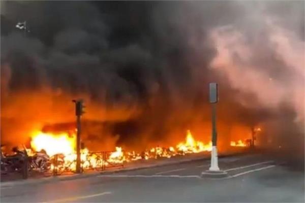 anti congo regime protesters set fires in paris