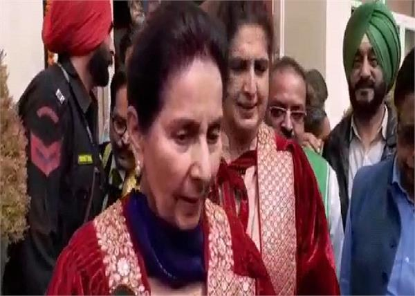 sidhu meets congress president sonia gandhi