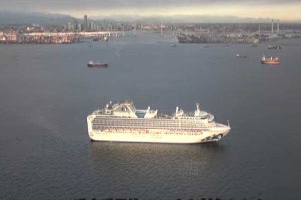 japan quarantines 3 700 on cruise ship over new coronavirus