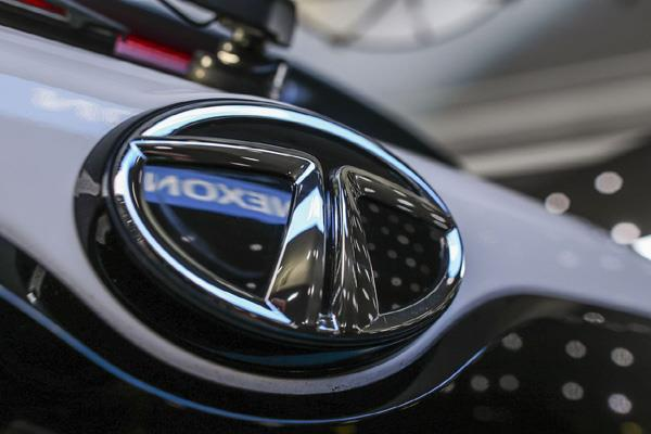tata motors approved to raise rs 500 crore