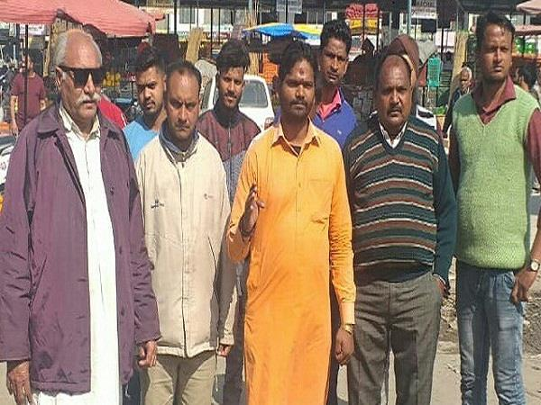 shivsena hindustan protest against police