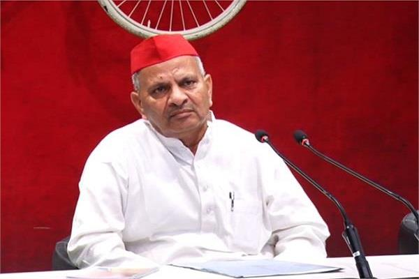 sp state president said bjp government is working to humiliate azam
