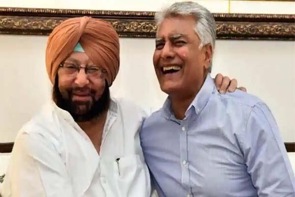 due to captain amarinder came forward in politics jakhar