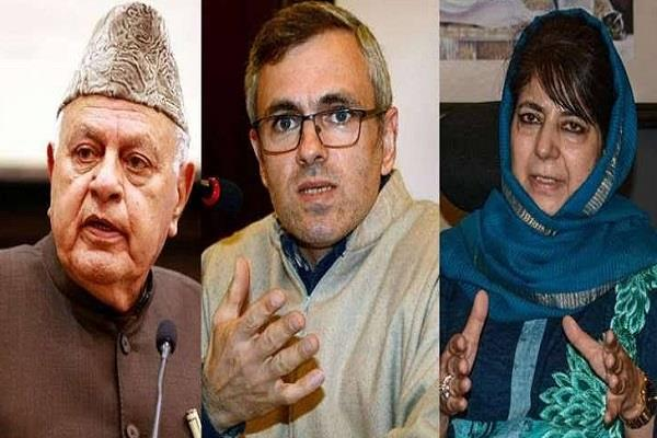 four detained leaders released farooq omar and mehbooba house arrest
