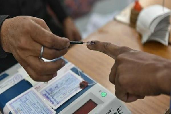 delhi election 2020 150 voters over 100 years old in delhi